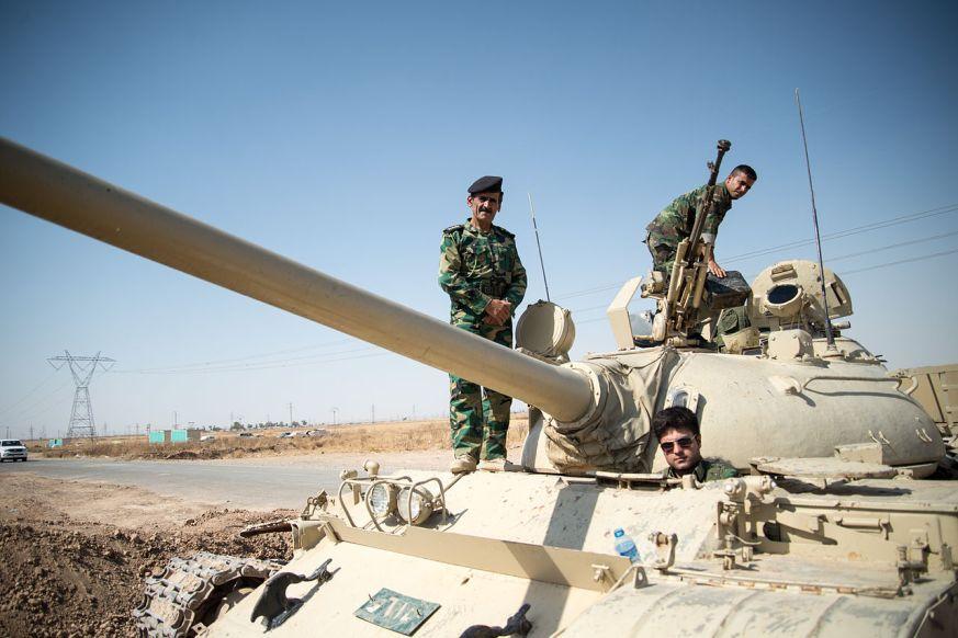 Peshmerga iraq kurde kurdistan guerre daech etat islamique ei geopolitique drapeau globale diplomatie