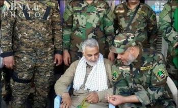 Le chef de la Force al Qods, Qassem Soleimani à Tikrit (Irak) avec l'état-major de milices chiites